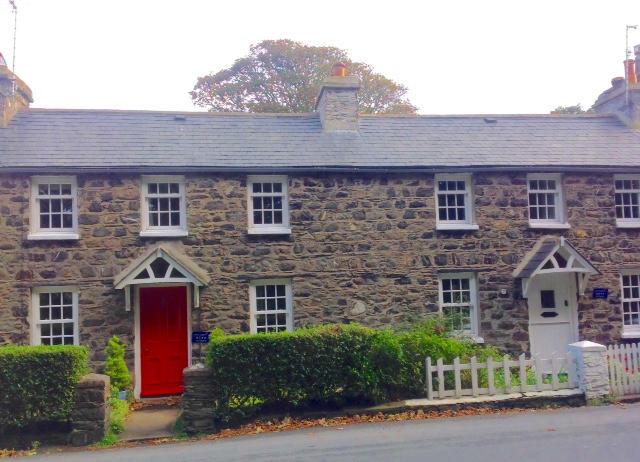 Photo of both cottages from the front